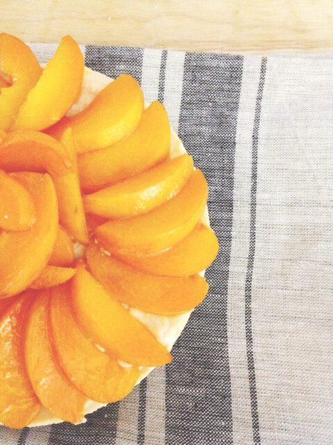raw apricot cheesecake